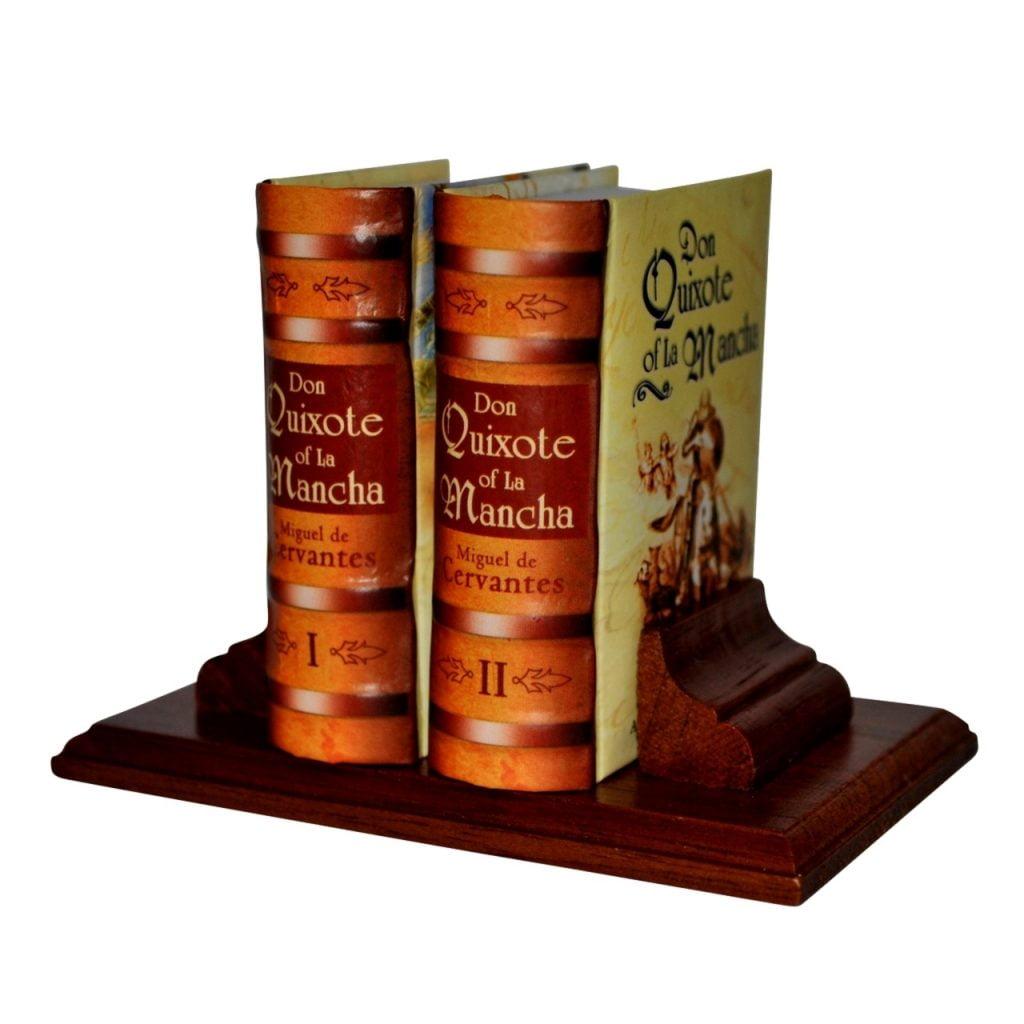 don-quixote-of-la-mancha_1-miniature-book-libro
